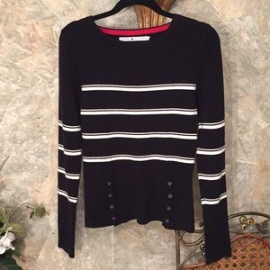 Tommy Hilfiger stunning sweater top pullover